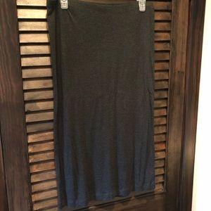 H&M Basics gray stretchy mid length skirt